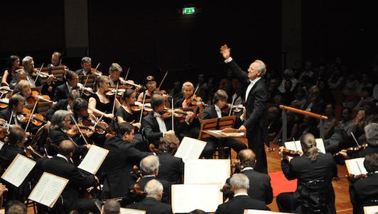 Yuri Temirkanov dirige Scheherezade de Rimski-Kórsakov