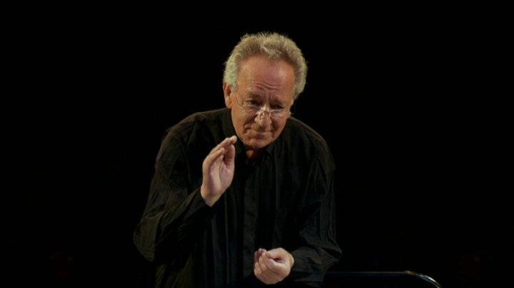 Yuri Temirkanov conducts Shostakovich's Symphony No. 10